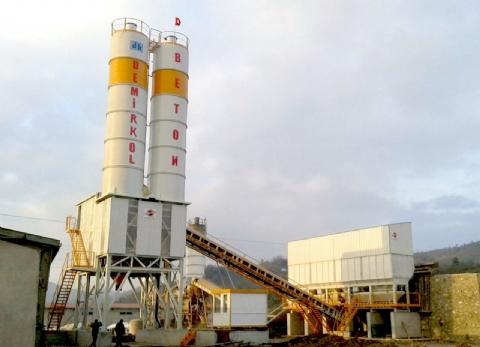 Demirkol Beton San. Tic. Ltd. Şti. Sahip Olduğu Tesisimiz 90 m³/h Mikser Karışım ve 80x2 160 Ton Çimento Silo Kapasitesiyle Fatsa / Ordu Şantiyesinde Üretime Başlamıştır.