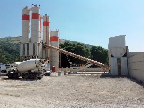 Kuzey Yakıt Beton İnş. Nak. Maden. Gıda Kömür İth. Ve İhracat Ltd. Şti.'nin Sahibi Olduğu 120 m³/saat Yaş Sistem Sabit Hazır Beton Santrali İlkadım / Samsun Şantiyesinde Üretime Başlamıştır.