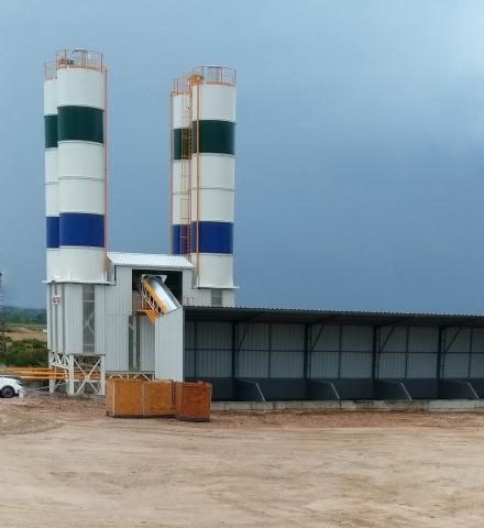 Gür Mimarlık İnşaat San. Tic. Ltd. Sti.'nin Sahip Olduğu 120-130 m³/ saat Yaş Sistem Sabit Hazır Beton Santrali Çorlu Şantiyesinde Üretime Başlamıştır