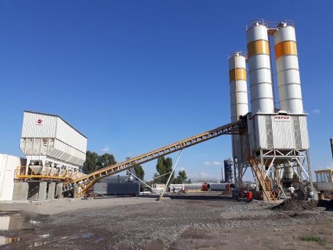 Onur Taahhüt Taşımacılık İnşaat Tic. ve San. A.Ş.'nin Sahibi Olduğu 120-130 m³/saat Yaş Sistem Sabit Hazır Beton Santrali Ukrayna Şantiyesinde Üretime Başlamıştır.